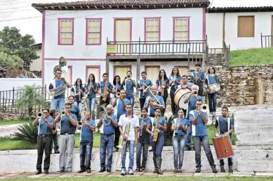 Dos 50 integrantes da Corporação Musical 13 de Maio, 40 têm menos de 18 anos: os mais velhos ensinam os mais novos (Marcelo Ferreira/CB/D.A Press )