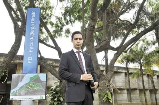 Estudante de direito na UnB, Victor Aguiar acredita que o est�gio obrigat�rio n�o combate o n�mero excessivo de cursos no pa�s (Breno Fortes/CB/D.A Press)