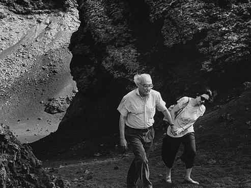 José Saramago, com a esposa, Pilar Del Río, escreveu para o livro Terra