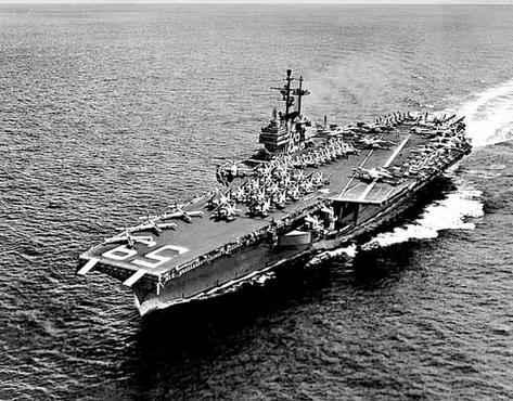 Navio usado pelos norte-americanos na costa brasileira. Ordem era empregar as tropas caso houvesse resist�ncia governista (Reprodu��o/Google)