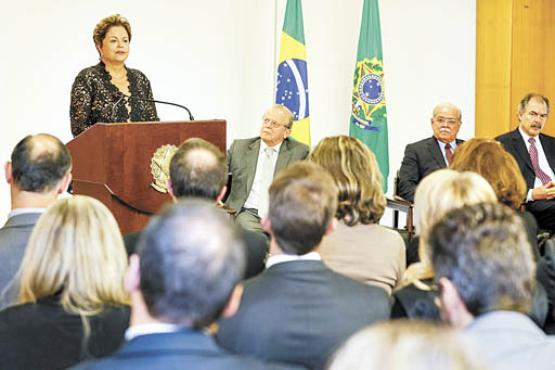 Dilma foi presa e torturada pelos militares: