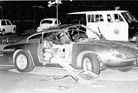 Atentado no Riocentro, uma das três bombas explodiu no colo de um sargento: morte (Anibal Philot/Agência O Globo - 30/4/81)