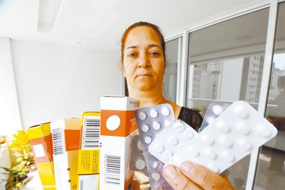Lourdes precisa tomar cinco medicamentos diariamente para manter a pressão sob controle (Euler Júnior/EM/D.A Press )