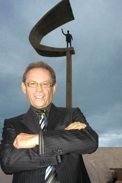José Wilker em Brasília: visitas frequentes, como na gravação da  minissérie JK   (Luiza Dantas/Carta Z Noticias - 6/3/09)