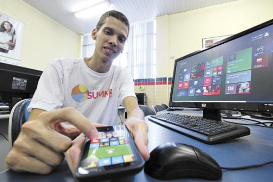 Gabriel Magalh�es acredita que, com a vers�o 8.1, a quantidade de apps no Windows Phone vai aumentar (Paulo Paiva/DP/D.A Press)