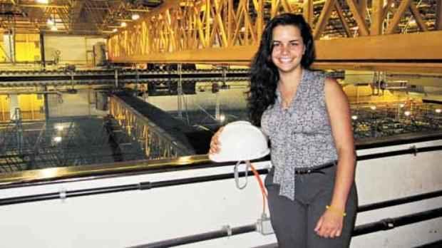 Mariana Candella, 23 anos, é estudante do 10º semestre do curso na UFRJ: %u201CAté penso em fazer um mestrado no futuro%u201D (Carolline Carvalho/Divulgação  )