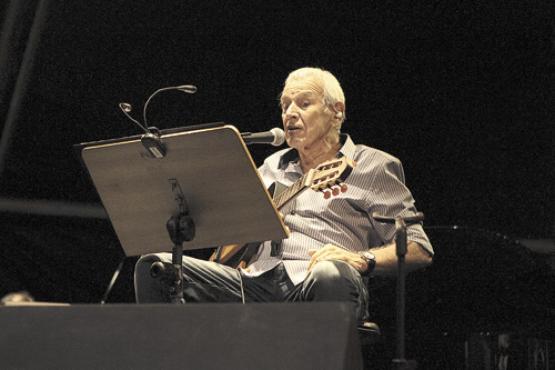 Carlos Lyra mostrou um repertório que evocou a participação na política durante os tempos do regime militar