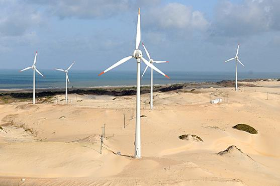 Parque eólico no Ceará: reduzir a dependência em combustíveis fósseis e ampliar o investimento em fontes de energia limpa é fundamental, diz ONU  (Marcelo Ferreira/CB/D.A Press - 5/12/09)