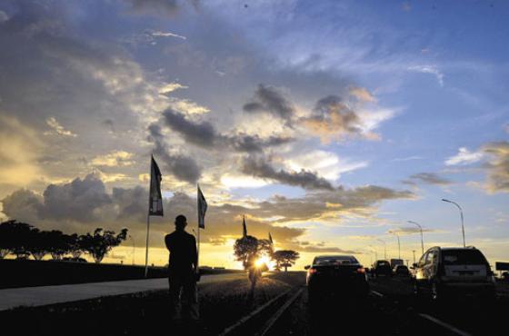 O pôr do Sol em Brasília: explosão de tonalidades sobre a capital (Daniel Ferreira/CB/D.A Press)