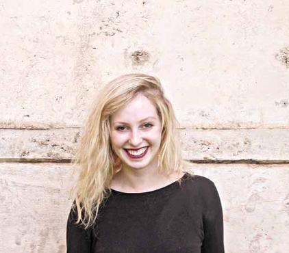 Gabriela Bilá é a autora do guia  (Reprodução/Facebook)