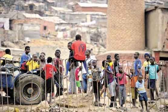 Movimento pela libertação de Angola: a revolução teve impacto nas novas gerações de escritores  (Stephane de Sakutin/AFP - 31/8/12 )