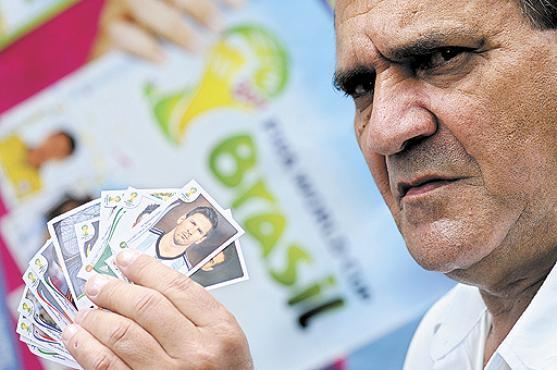Há quatro Copas, Hudson de Carvalho  conhece pessoas graças à troca de figurinhas (Carlos Vieira/CB/D.A Press )
