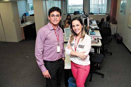 Marcus Paulo Souza e Luana Lourenço passaram por um processo completo e objetivo antes de serem contratados por uma empresa de tecnologia (Ana Rayssa/Esp. CB/D.A Press )