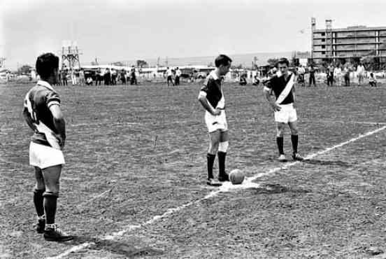 Primeira partida de um campeonato da cidade só com operários  (Arquivo Público do DF/CB/D.A Press)