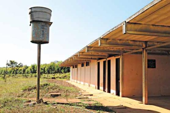 Uma das obras feitas pelo engenheiro-arquiteto, a escola rural de Varginha ficou pronta em 40 dias (Zuleika de Souza/CB/D.A Press)