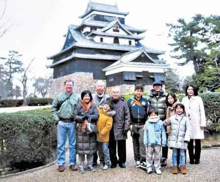 Eduardo e Felipe conheceram parentes japoneses