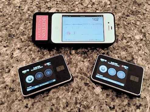 As informações do dispositivo são enviadas para um smartphone (Boston University Department of Biomedical Engineering/Divulgação)