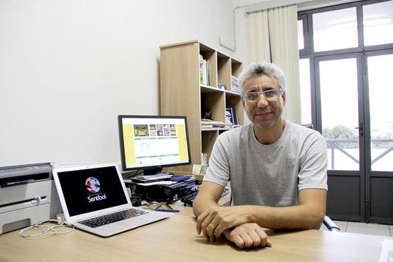 Ahmed Ali Abdalla Esmin, professor do Departamento de Ci�ncia da Computa��o e coordenador do projeto  (Mateus Lima/Ascom/Ufla)