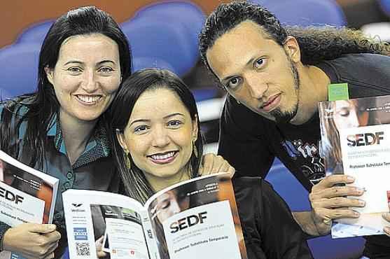 Geni, Laiz e João Gabriel, colegas de cursinho: foco e árduas horas de estudo para garantir contratação  (Carlos Vieira/CB/D.A Press  )