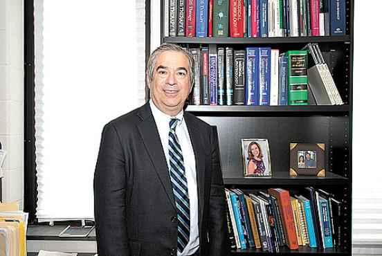 Para Kenneth Sherman, os antirretrovirais facilitam o tratamento da hepatite