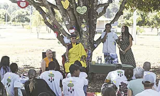 Gyalwang Drukpa conversou com os jovens no Parque da Cidade (Ed Alves/CB/D.A Press)