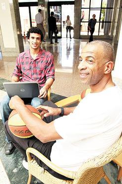 Diferentemente do pai, o ex-jogador Pipoka, João Felipe é analista de sistemas (Oswaldo Reis/Esp. CB/D.A Press)