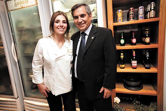 Myriam e Gilberto Carvalho têm sucesso profissional: ela na gastronomia e ele na política (Sanfelice Massas/Divulgação        )