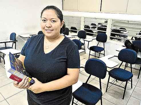 A analista de sistemas Andréa deseja conquistar uma vaga em informática (Pedro Henrique/Esp. CB/D.A Press )