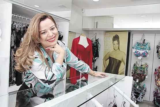 Na contramão: a administradora Andrea pesquisou bastante para avaliar a viabilidade do negócio e conhecer o mercado de lingerie plus size (Ana Rayssa/Esp. CB/D.A Press    )