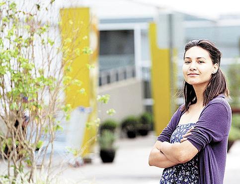 A estudante de pedagogia Leda Barbosa quer uma vaga temporária apenas durante as férias. Depois da formatura, ela pretende atuar na carreira escolhida (Ana Rayssa/Esp. CB/D.A Press   )