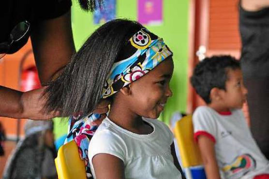 Joanna Tain� participou de uma oficina de turbantes  (Paula Rafiza/Esp. CB/D.A Press)