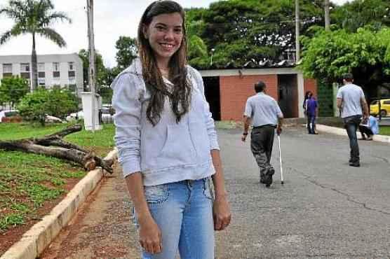 Carolina Moroni, tranquila, disse que fez uma boa preparação ao longo do ano e sonha ingressar na UnB (Paula Rafiza/Esp. CB/D.A Press)