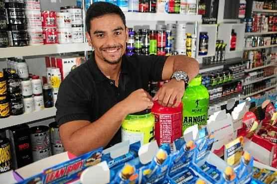 Recém-formado em administração, Cayo abriu e comanda três lojas de suplementos esportivos (Bruno Peres/CB/D.A Press)