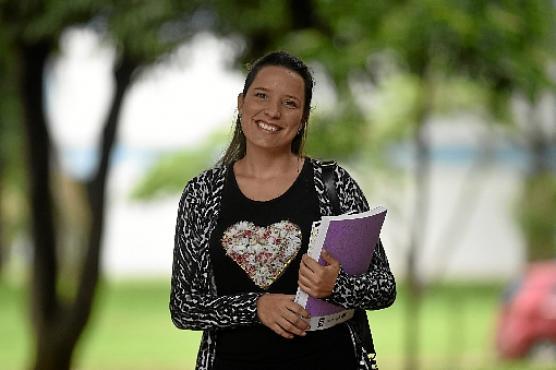 Amanda quer conquistar uma das 95 vagas de assistente em administração (Ed Alves/CB/D.A Press  )