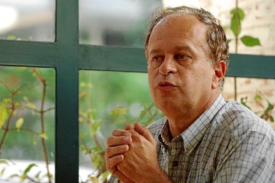 O filósofo Renato Janine Ribeiro toma posse hoje como ministro da Eduação, sucedendo Cid Gomes (Gustavo Scatena/Folhapress)