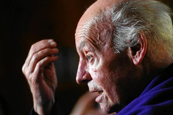 Galeano: América Latina como matéria-prima (Bruno Peres/CB/D.A Press - 11/4/14)