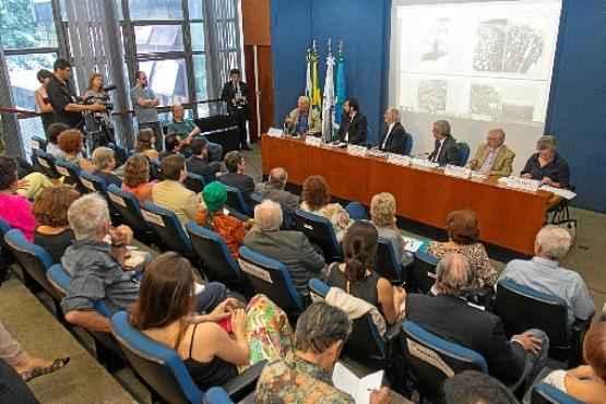 Integrantes da Comissão Anísio Teixeira de Memória e Verdade apresentaram ontem o resultado da investigação: repressão permanente  (Isa Lima/UnB Agência)