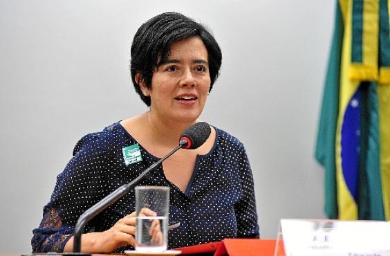 Alejandra Velasco ressalta a complexidade das ações previstas no PNE (Zeca Ribeiro /Camara dos Deputados)