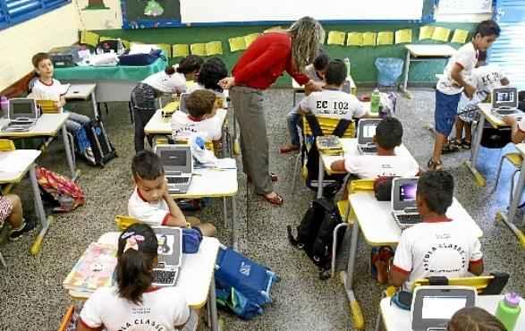 Escola no Recanto das Emas: a depender dos deputados distritais, crianças teriam aula de hotelaria e turismo e de direito constitucional  (Oswaldo Reis/Esp. CB/D.A Press)