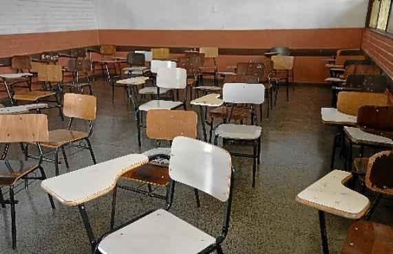 Funcionários da limpeza se assustaram com o sangue na sala onde ocorreu o crime (Marcelo Ferreira/CB/D.A Press)