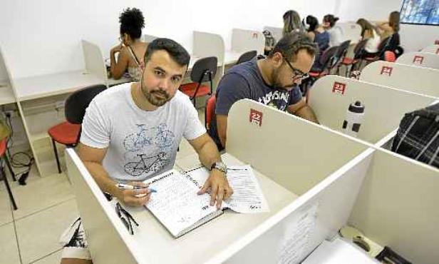 Construtor, Cleomar busca renda estável no serviço público (Gustavo Moreno/CB/D.A Press)