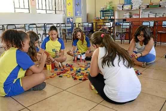 Atividades complementares podem ser pedagógicas e recreativas (André Violatti/Esp. CB/D. A Press)