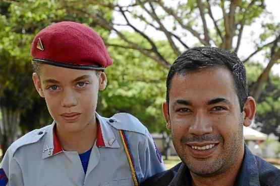 Filho do policial Walisson, Jonas entrou no colégio com o sonho de se tornar piloto de caça (André Violatti/Esp. CB/D. A Press)