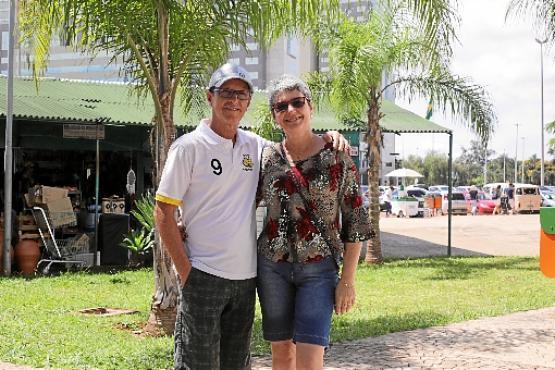 Maria Célia e Márcio sempre visitam Brasília e não pretendem comparecer ao evento oficial