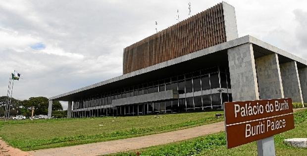 Há casos de contracheques de servidores do governo local que apontam mais de R$ 500 mil em licença-prêmio (Ed Alves/CB/D.A Press - 1/11/18)