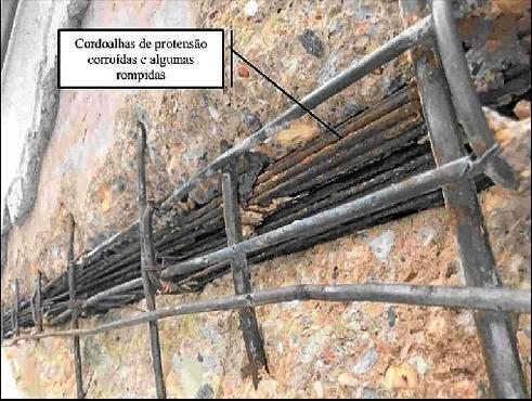 Engenheiros da Novacap identificaram na plataforma inferior da Rodoviária do Plano Piloto %u201Cproblemas de infiltração,  problemas com estrutura do reservatório de incêndio, corrosão nos guarda-corpos dos viadutos, fissuras de vigas e lajes%u201D (NOVACAP/Divulgação)