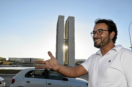 Apaixonado pelos ipês, Fabiano Santos só sentiu falta de reparos e manutenções em pontos turísticos (Minervino Júnior/CB/DA.Press)
