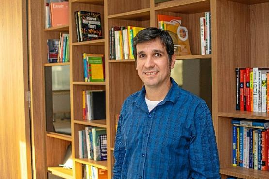 Bruno Ottoni, da UFRJ, estuda diferença salarial entre mulheres e homens (Idados/Divulgação)