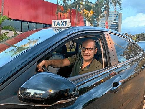 O taxista Milton bateu o veículo no período chuvoso: