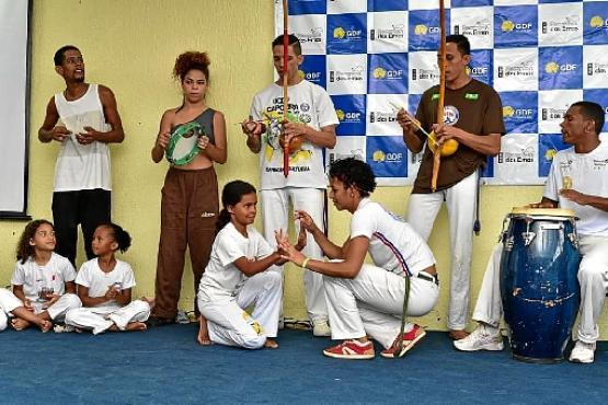 Entre as atividades, alunos fizeram apresentação de rodas de capoeira  (Joelma Bomfim/SINPRO-DF)